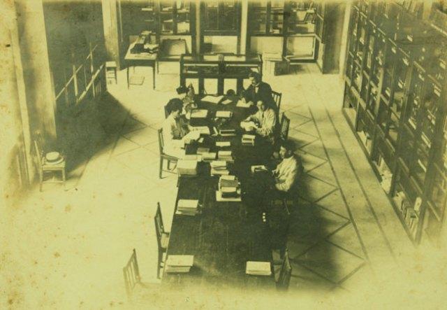 المكتبة الوطنية اللبنانية في العشرينات التي أنشأها فيليب دي طرازي