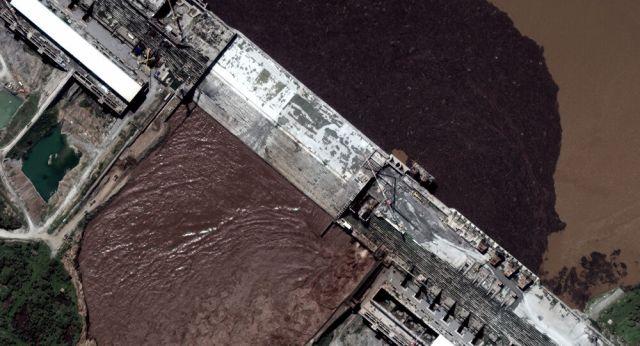 صورة بالقمر الصناعي تُظهر المرحلة الأولى لملئ السد