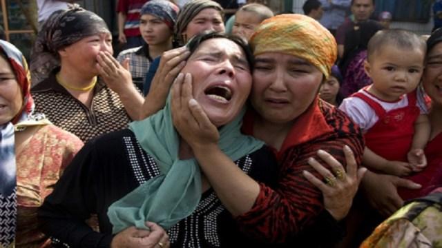 معاناة مسلمي الإيجور