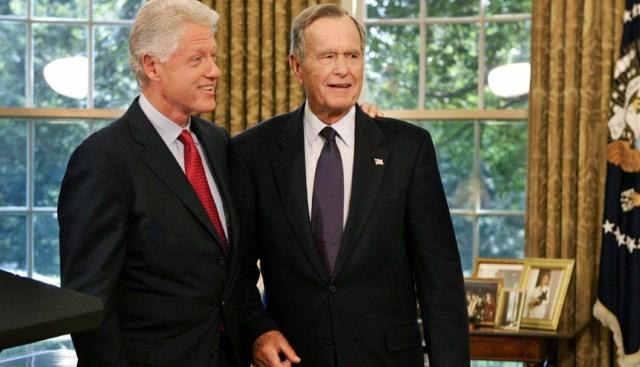 جورج بوش الأب وكلينتون