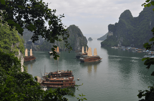 ha long bay of the Descending Dragon