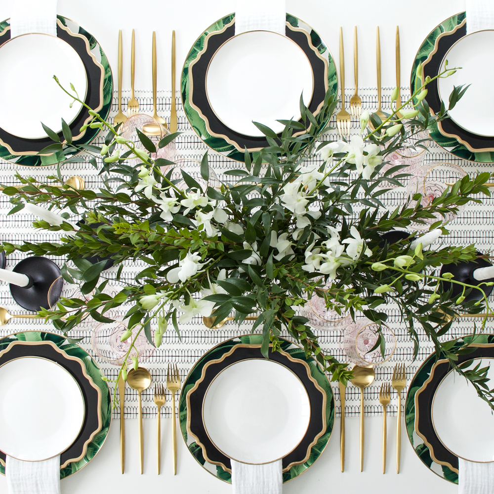 atabletolove, set up a dinner, palm leaf tablescape table