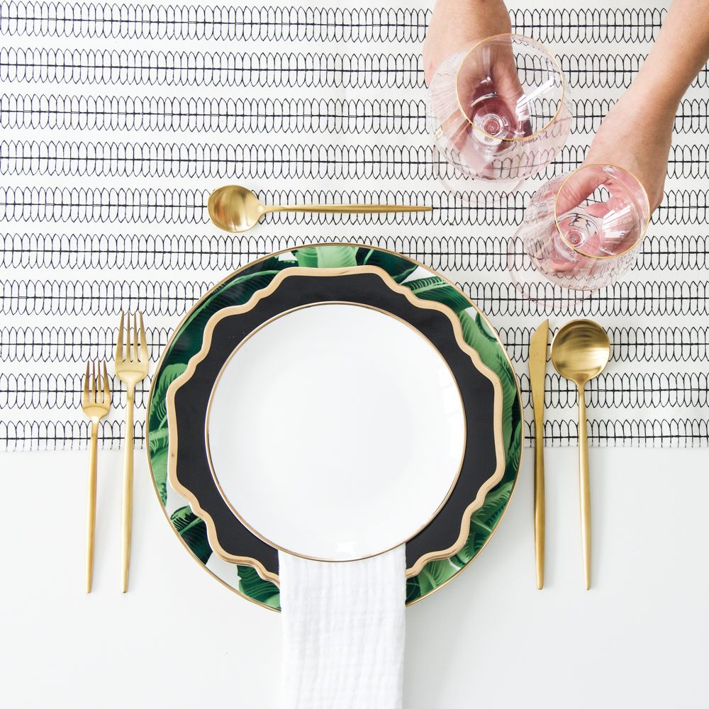 A Table to Love, How to set up a table, Palm leaf charger and black and gold plates