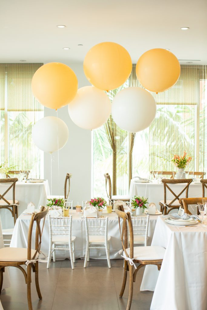 A Table to Love, Kids table decoration with balloons