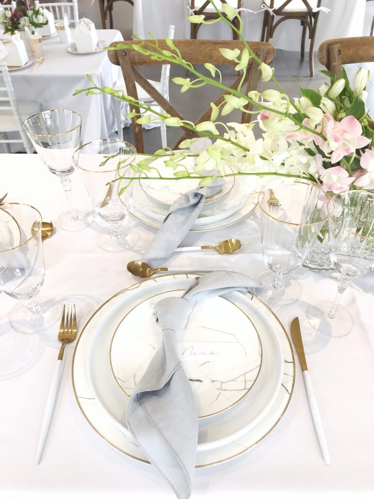 A Table to Love, Table setting, marble and gold baptism decoration ideas