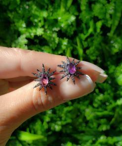 Brinco Estrela com micro zircônia branca e rosa em banho de ródio negro
