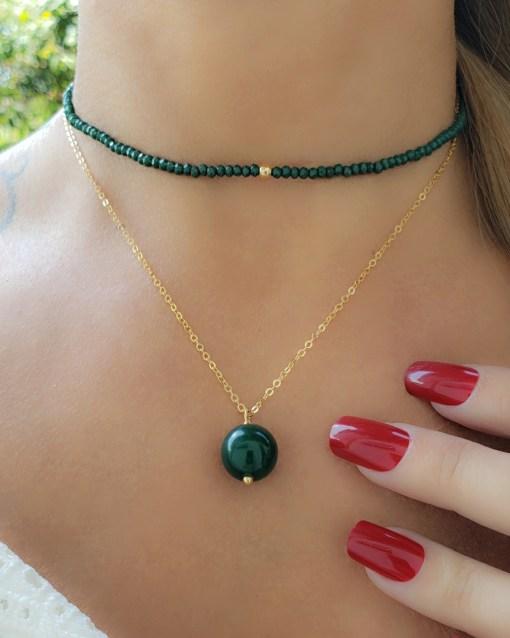 Colar 40cm com Jade Verde Tingida em banho de ouro 18k