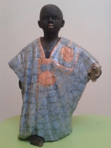 personne africain cuisson raku personnage africain raku poterie-atap aubagne