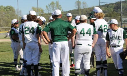 Eagles Split Two Games Over the Weekend