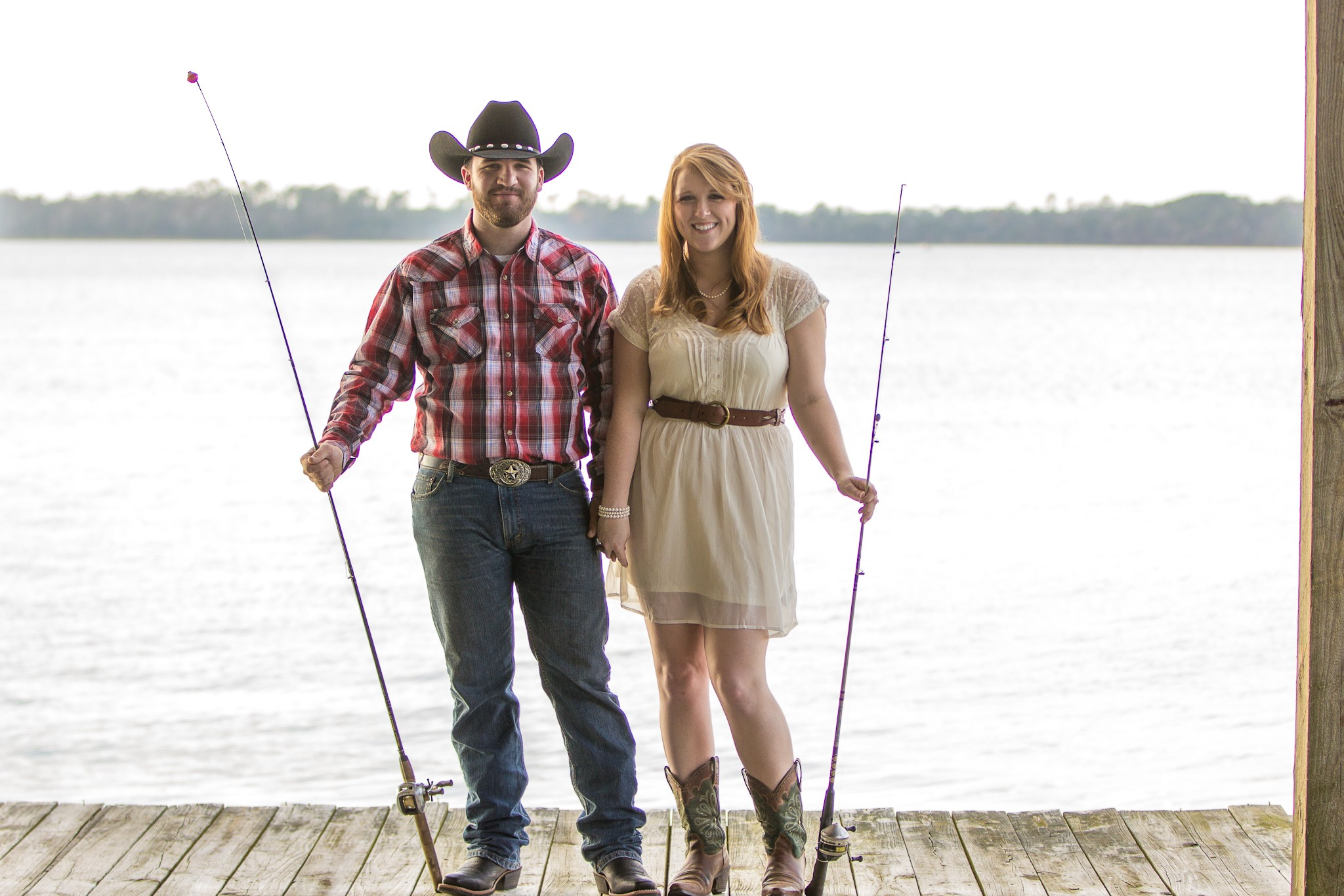 Southern Charm | Engagement Portraits on Lake Houston