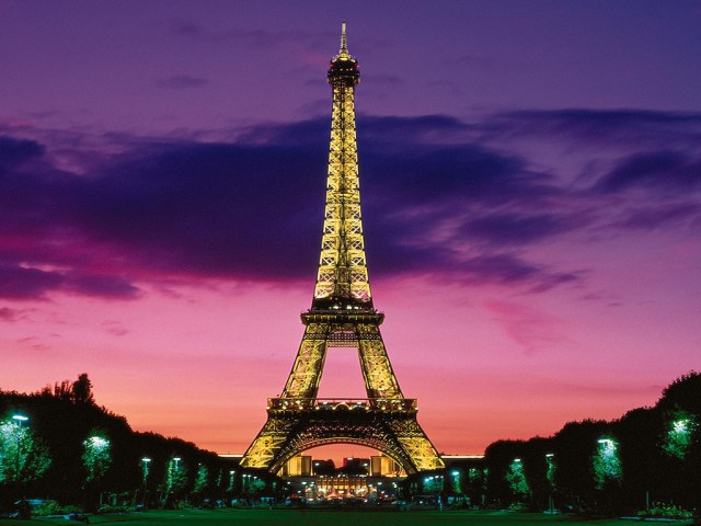 eiffel-tower-wallpaper-tumblr