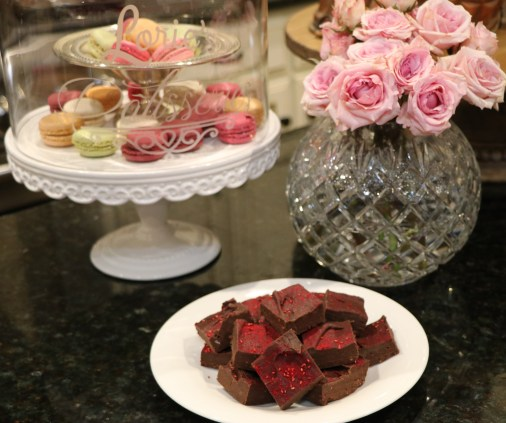 Raspberry Chocolate Fudge flowers and macaroons