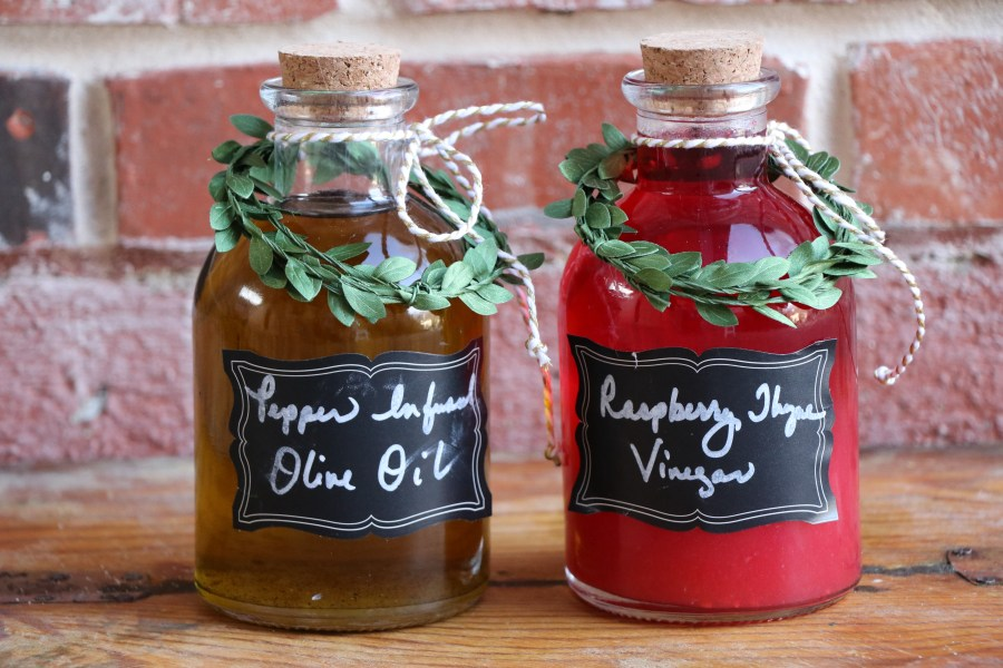 Gifts From the Kitchen Infused oils and Vinegars