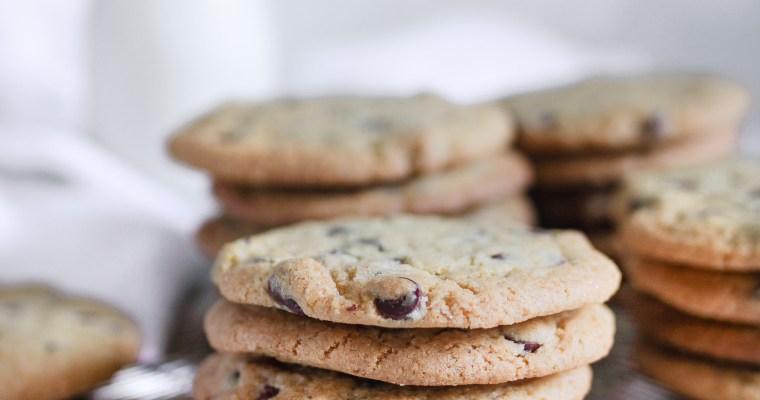 The Best Crispy Chocolate Chip Cookies