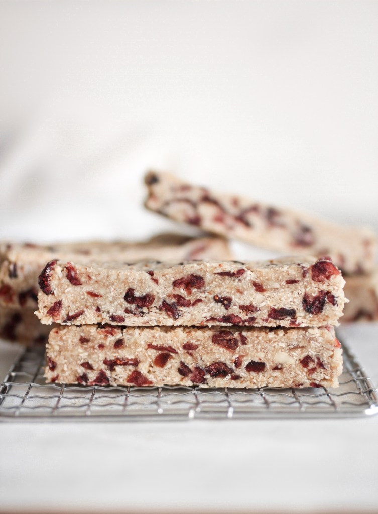 6 Ingredient Cranberry Almond Granola Bar