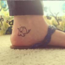 03 Awful Outline Small Elephant Tattoo On Heel