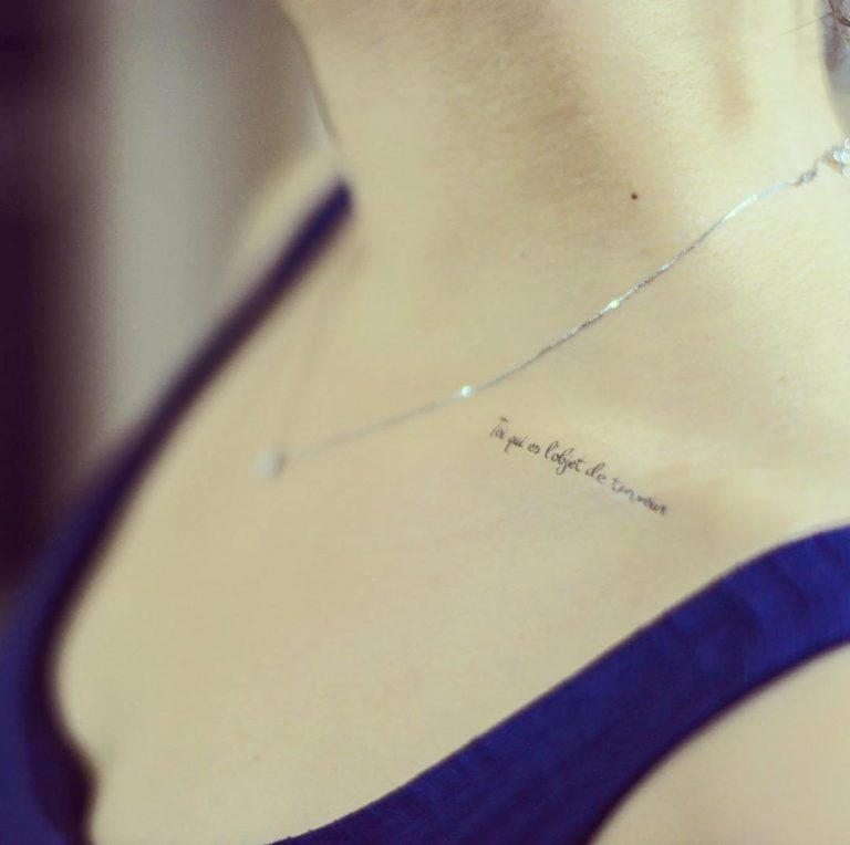Sexy collarbone on women tattoos