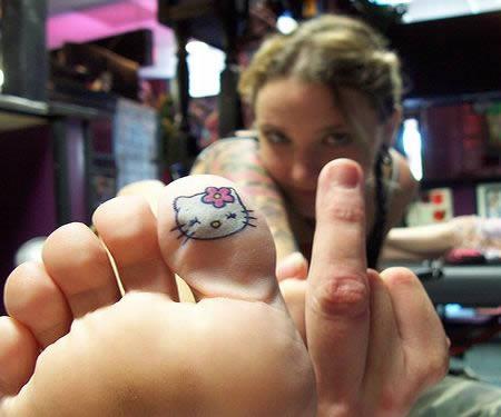 Hello Kitty tattoo toe for women
