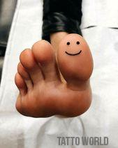 Stunning small tattoos ideas for girls feet