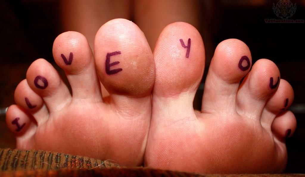 Stunning under toe tattoo