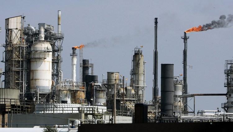 Một cơ sở lọc dầu của Mỹ ở Vịnh Galveston, bang Texas. (Ảnh: AFP/TTXVN)