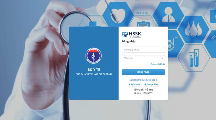 Application du carnet de santé numérique permet aux établissements   médicaux et à la population de suivre le calendrier de vaccination   contre le COVID-19. Photo: ministère de la Santé.