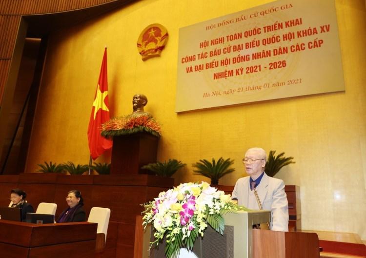 El21 de enero de 2021, el secretario general del Partido Comunistay presidente del país,Nguyen Phu Trong,pronuncia un discurso enla conferencia nacional virtual sobre la implementación de los trabajos electorales (Foto: VNA)