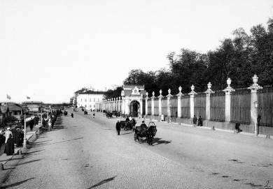 Karl-Bulla-Giardini-d-estate-a-S-Pietroburgo