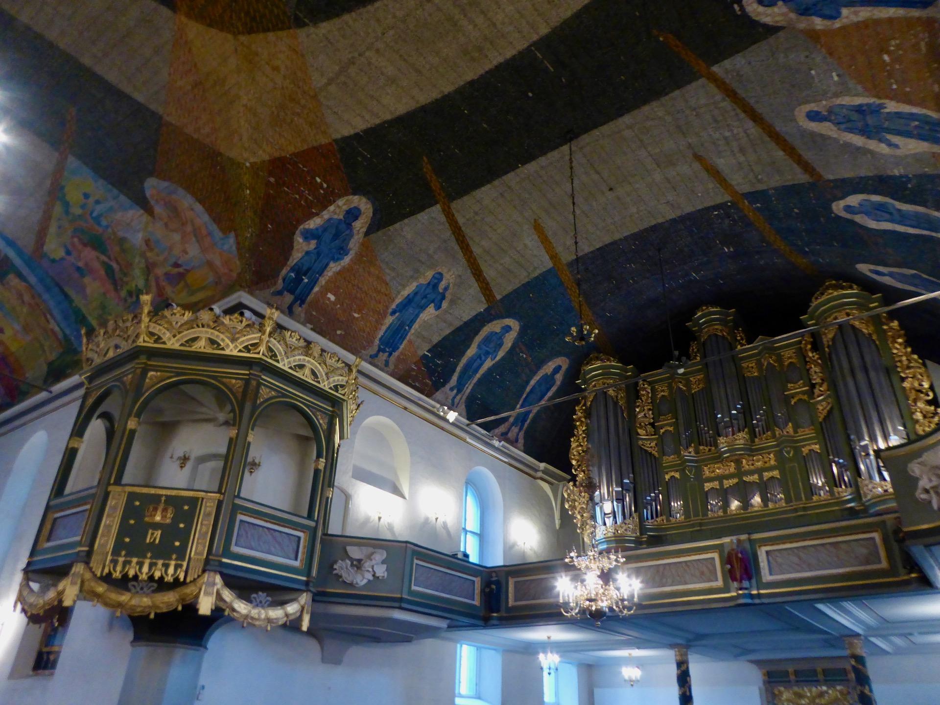 Malowidła na suficie katedry w Oslo