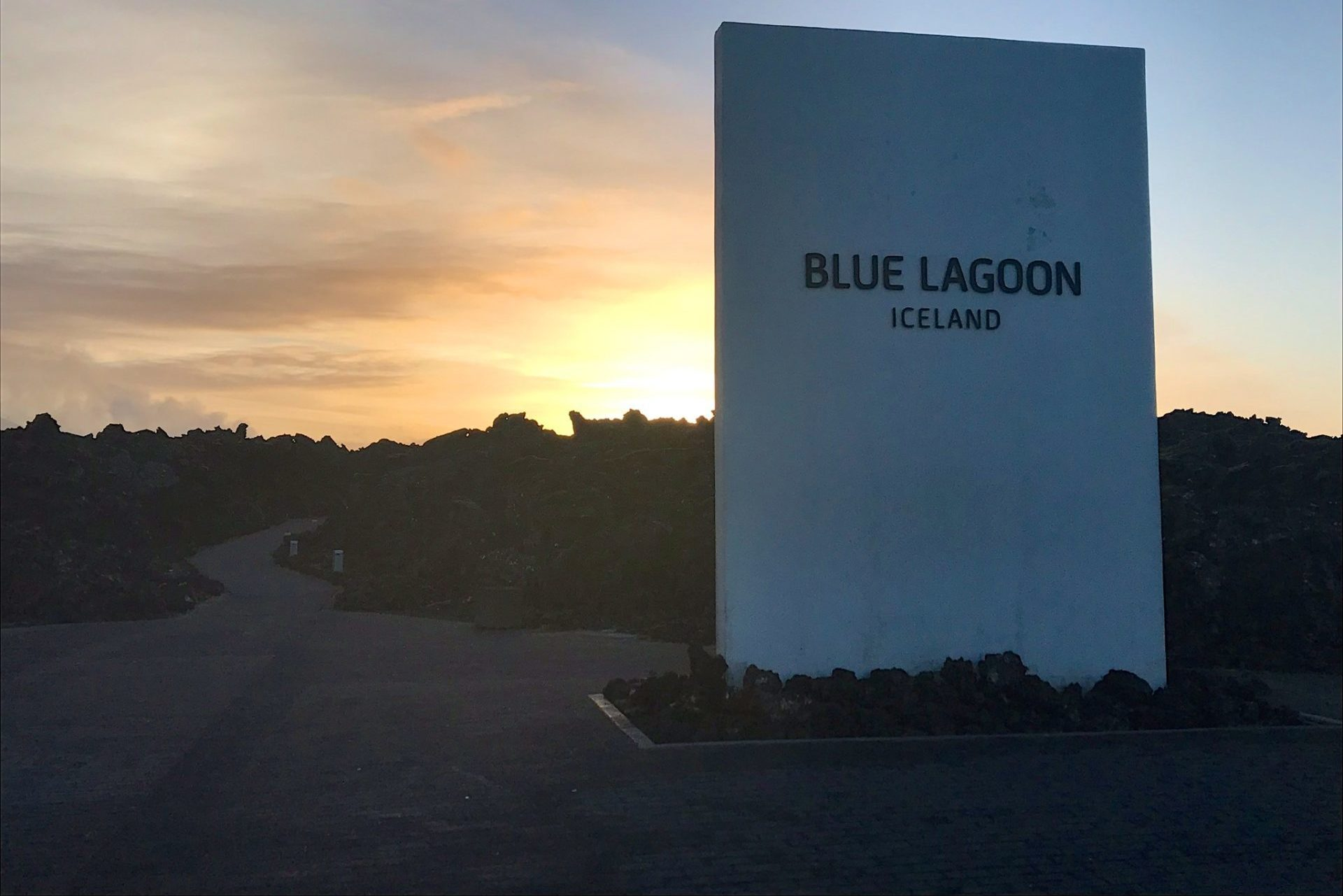 blue-lagoon-entrance