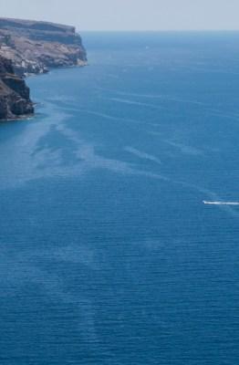 Restos de fuel en la costa de Mogán, Gran Canaria, en los días posteriores al hundimiento