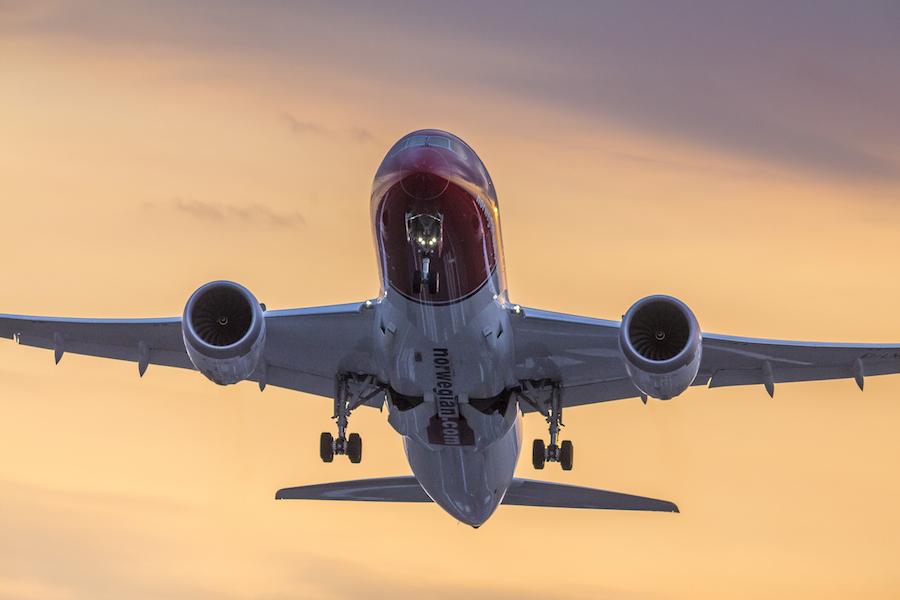 Sunset departure 787 Dreamliner de Norwegian. Fotografía: fuente Norwegian