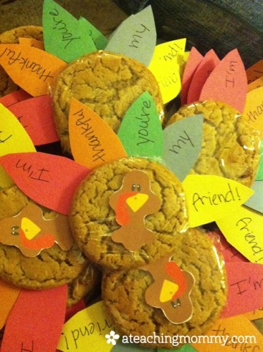 Tell your friends, teachers, coaches and more how thankful you are to have them with this simple Thankful Turkey Cookie Treat.