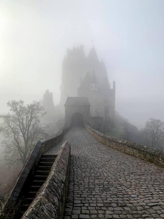 Zugang zur Burg Eltz