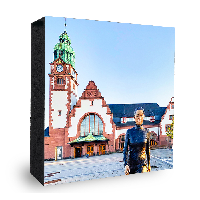 Bad Homburg Bahnhof Bronze Statur