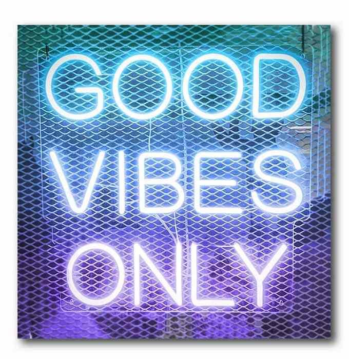 Good Vines Only - Neon Schrift-blau-lila