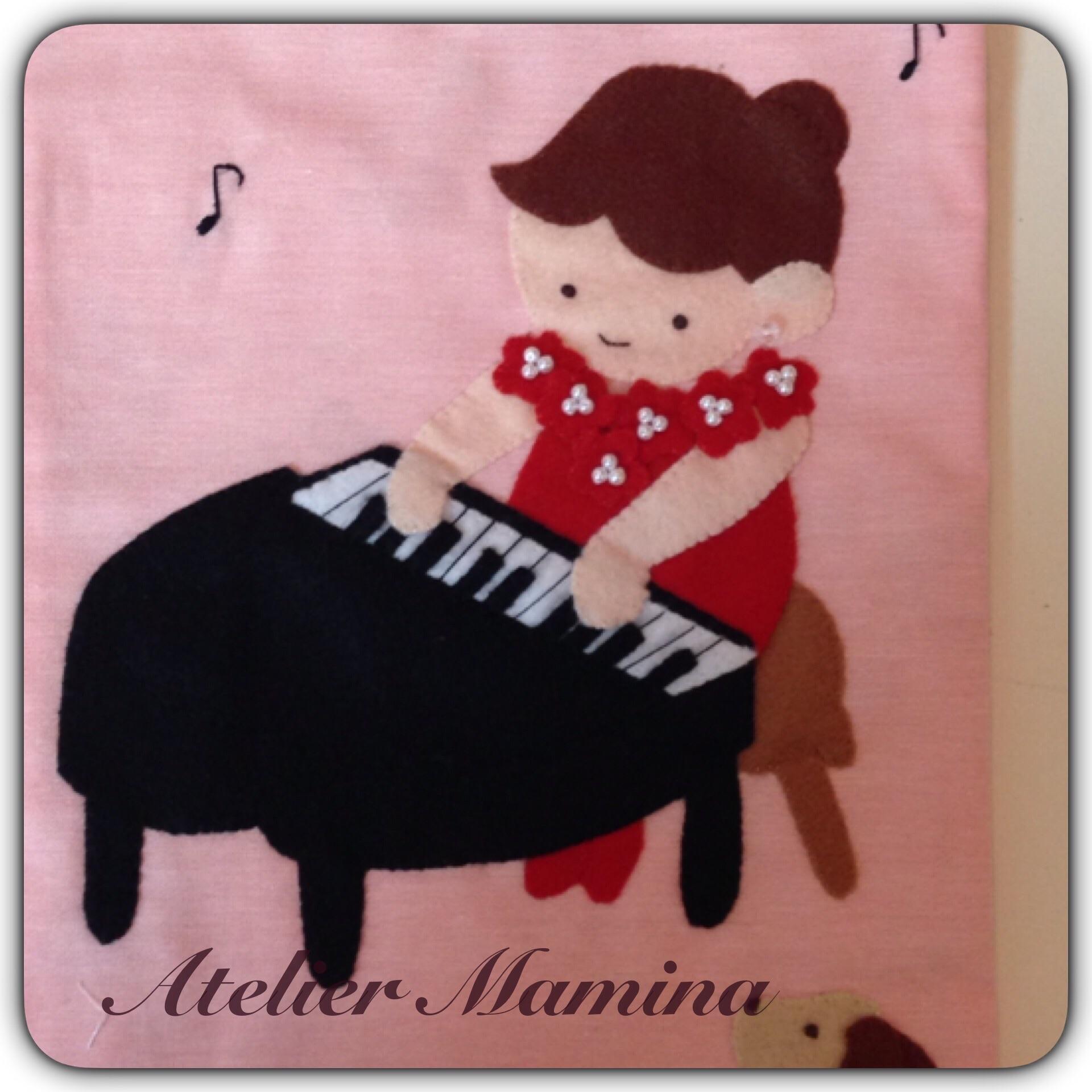 ✳︎赤いドレスの小さなピアニスト
