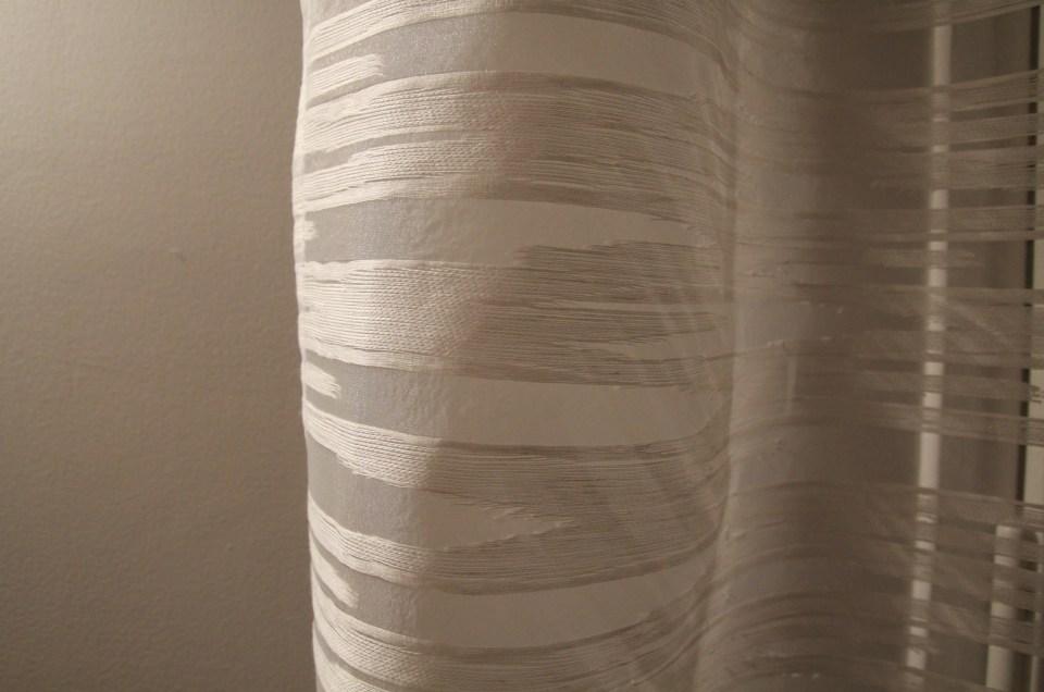 Voilage contemporain plis «wave» tissu Apuane de Casamance