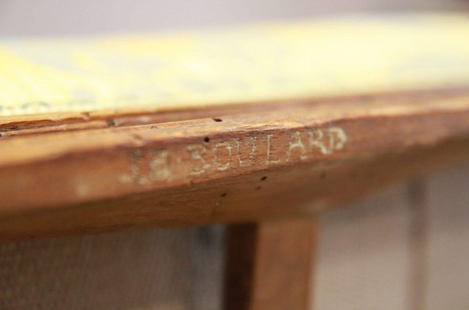 Réfection complète en crin d'un fauteuil à la Reine d'époque Louis XVI estampillé JB Boulard (menuisier du Roi)