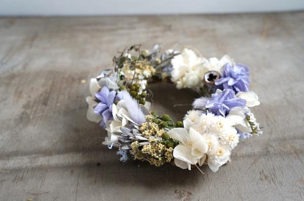 ラベンダー色の紫陽花のミニリース