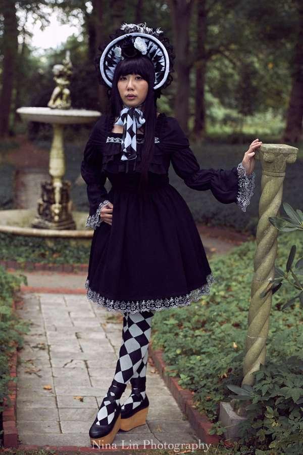 Harlequin Bonnet