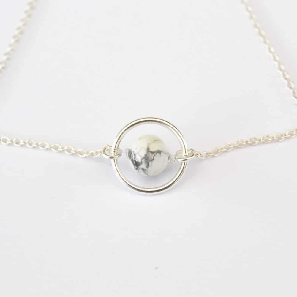 bijoux-pierre-argent-vrai-collier-funambule-lithotérapie-Howlite-4