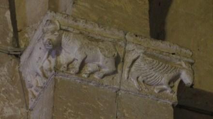 Capitello con Bue ed agnello divino, S.Francesco, Tarquinia, VT, Italia