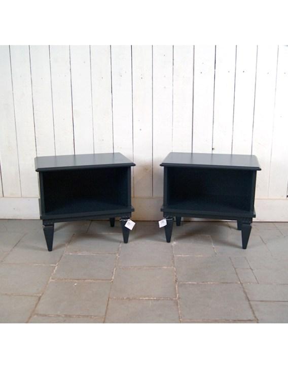 paire-de-chevets-noirs