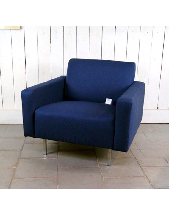 fauteuil-carre-bleu-marine-4