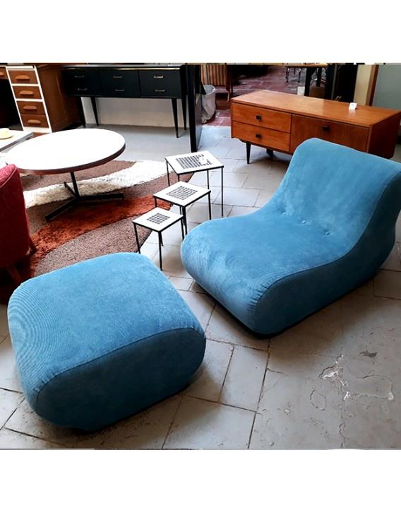 fauteuil-et-pouf-bleu-4