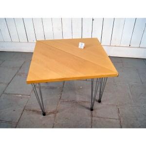 paire-de-tables-bois-clair-2