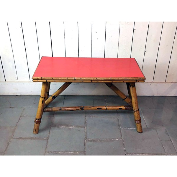 table-basse-rouge–en-bambou-2-