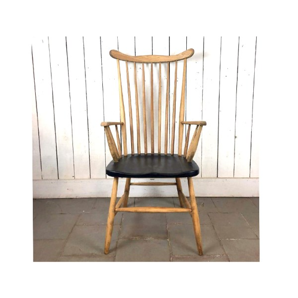 chaise-barreaux-assise-noire-1