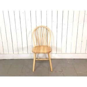 4-chaises-barreaux-claires-3